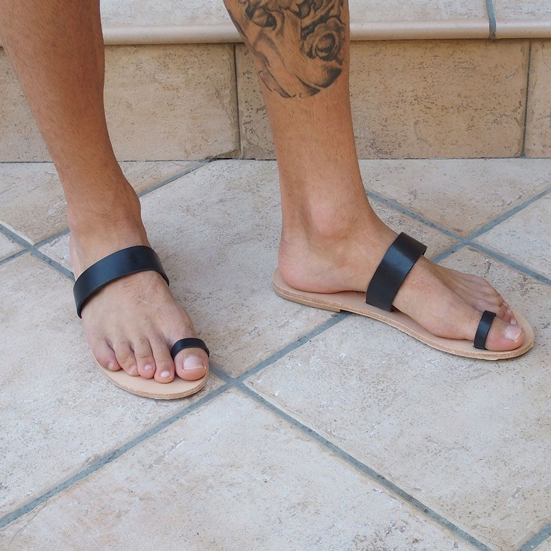 Toe Ring Sandals | Friends Don't Let Friends Wear Socks With With Regard To Most Current Male Toe Rings (View 13 of 15)