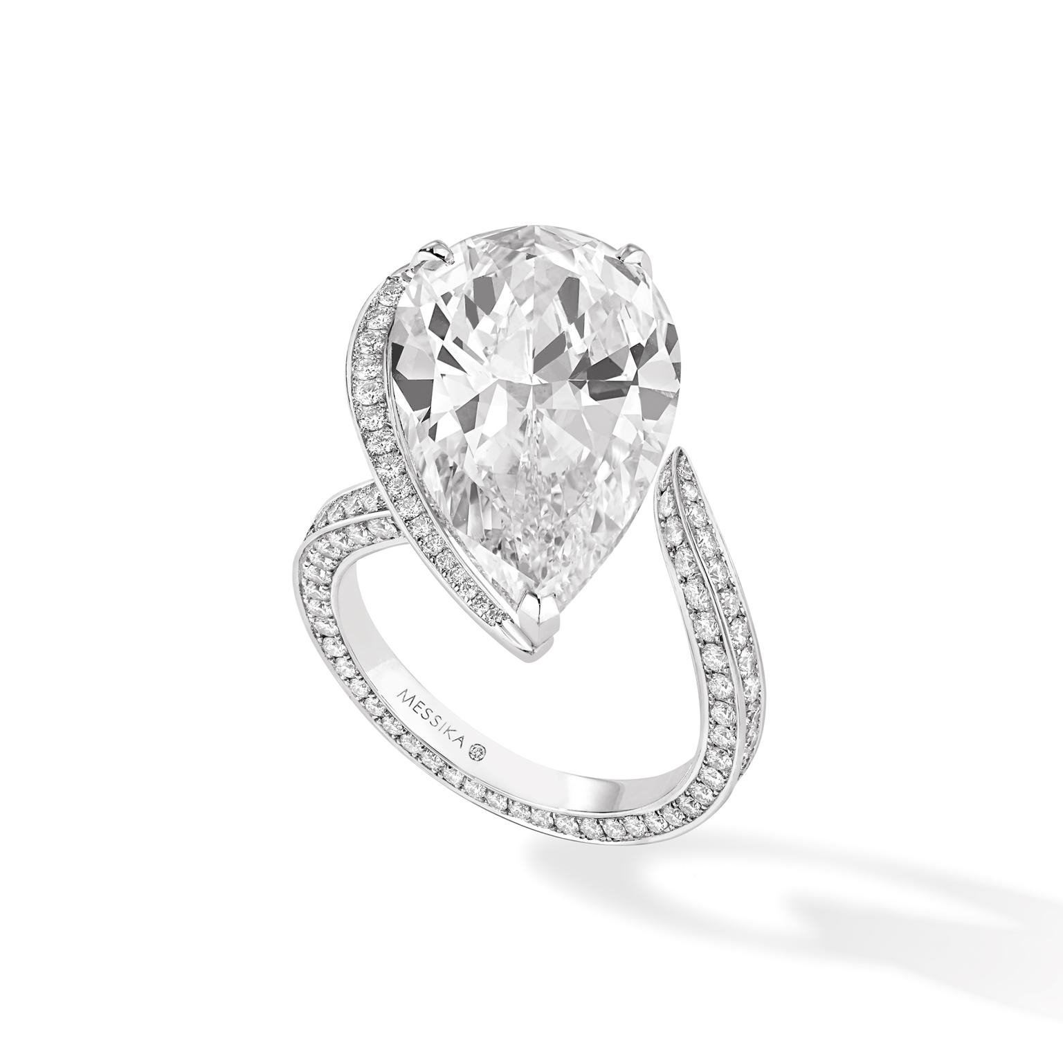 The Seven Engagement Ring Trends That Are Huge In 2017 | The With Regard To Best And Newest Diamond Hexagonal Frame Vintage Style Wedding Bands (View 5 of 15)