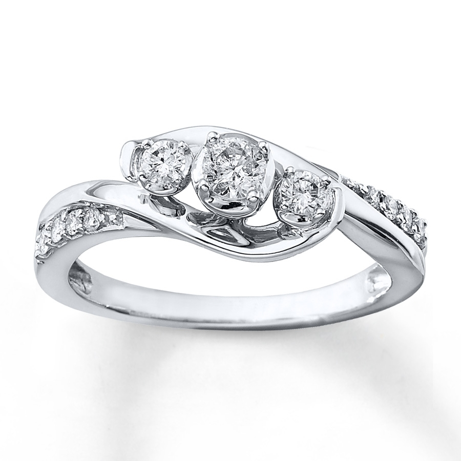 White Gold Wedding Ring With 3 Diamonds – Image Of Wedding Ring Enta In Most Up To Date Diamond Three Stone Slant Wedding Bands In 10K White Gold (View 15 of 15)