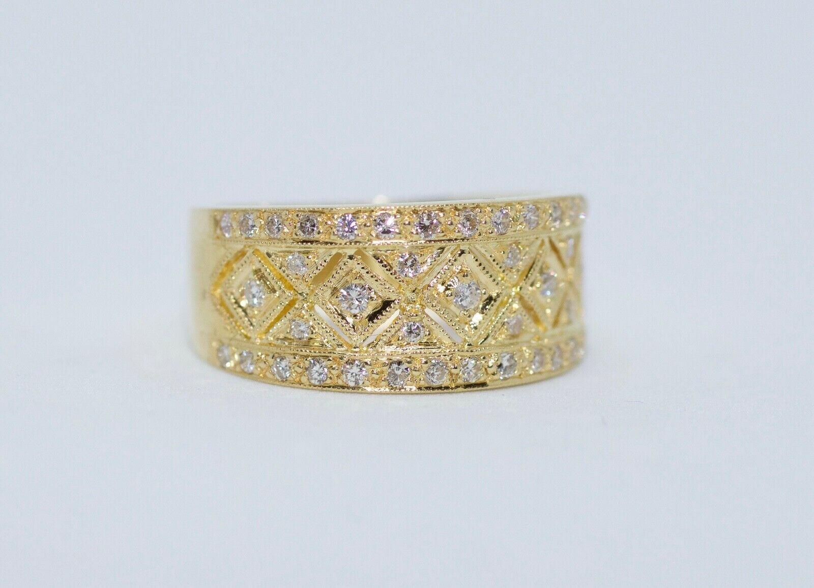 18K Yellow Gold Round White Diamond Zig Zag Half Way Band Ring Size  (View 11 of 25)