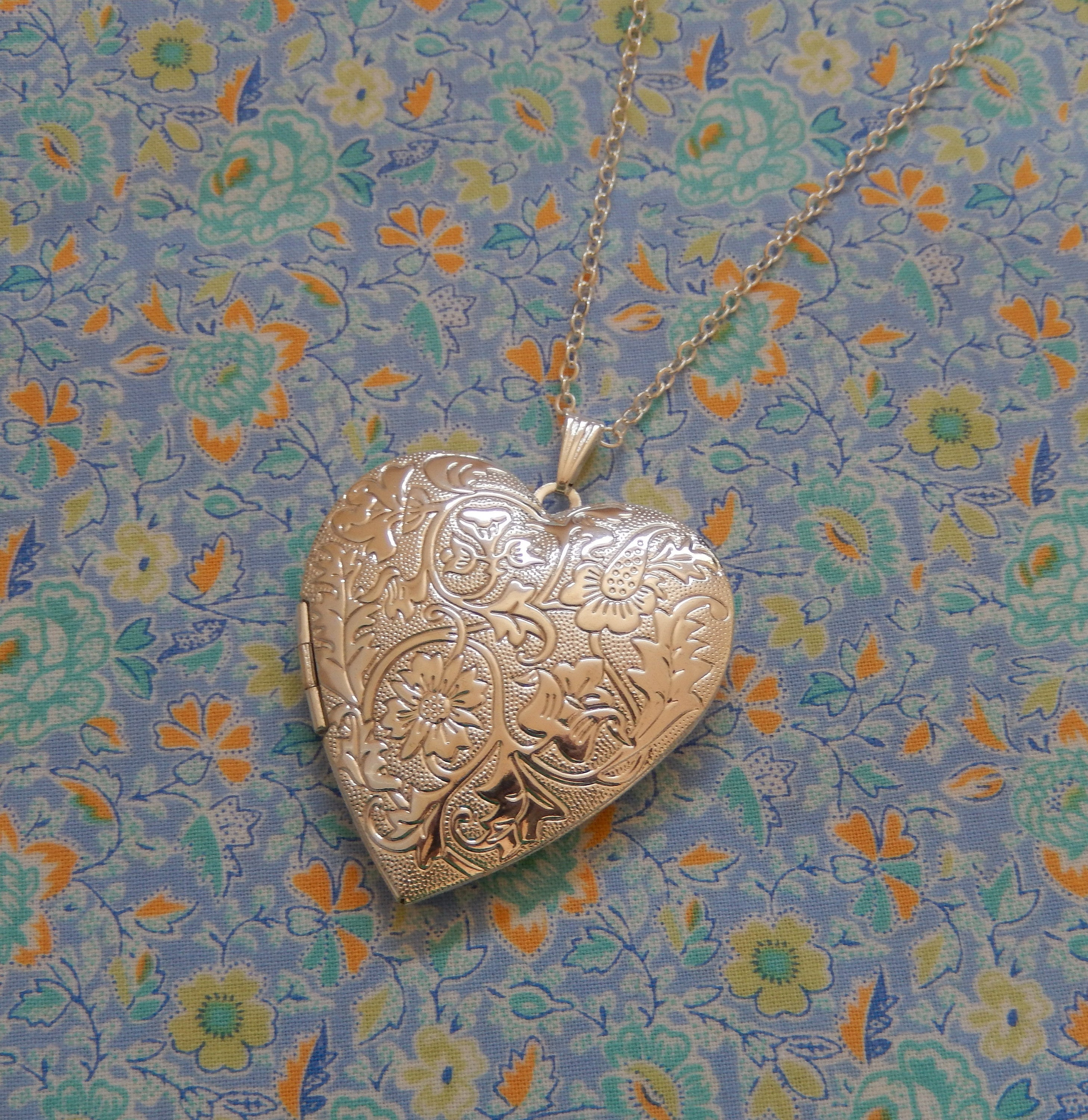 Antique Plate Large Heart Locket Pendant Necklace Regarding Most Current Heart Locket Plate Necklaces (View 2 of 25)