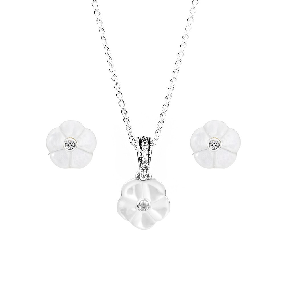 Featured Photo of Luminous Florals Pendant Necklaces