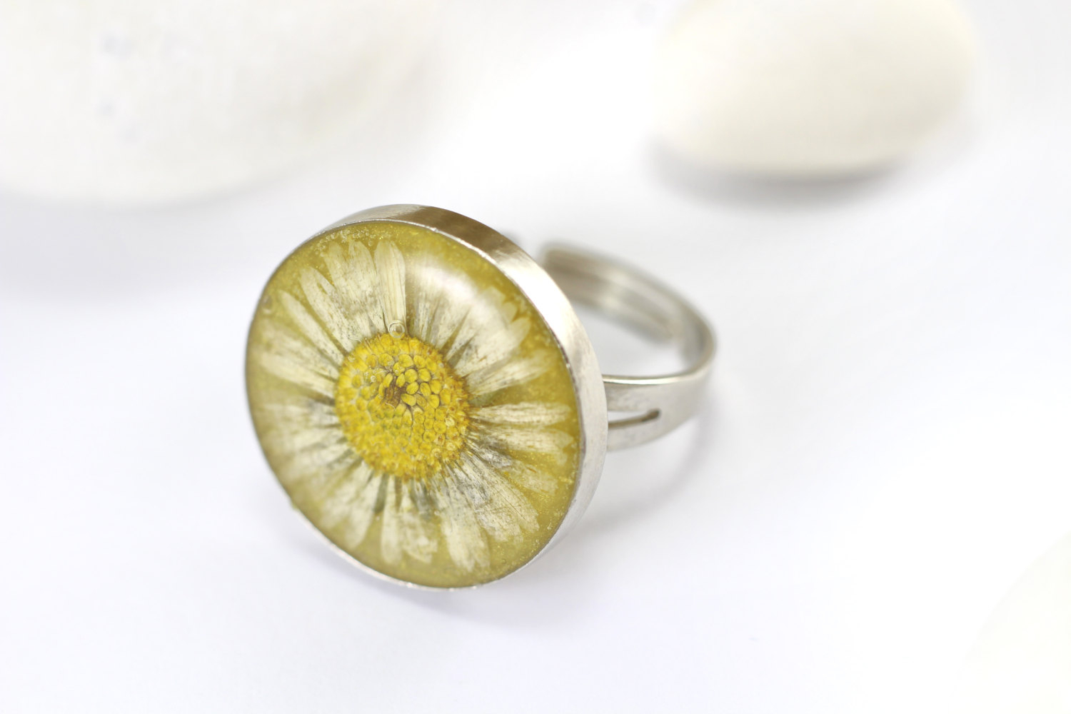 Daisy Flower Ring Real Flower Ring Pressed Flower Floral Ring White Daisy Gift For Girlfriend Girlfriend Ring Anniversary Ring Ring Women Throughout 2017 Daisy Flower Rings (View 13 of 25)