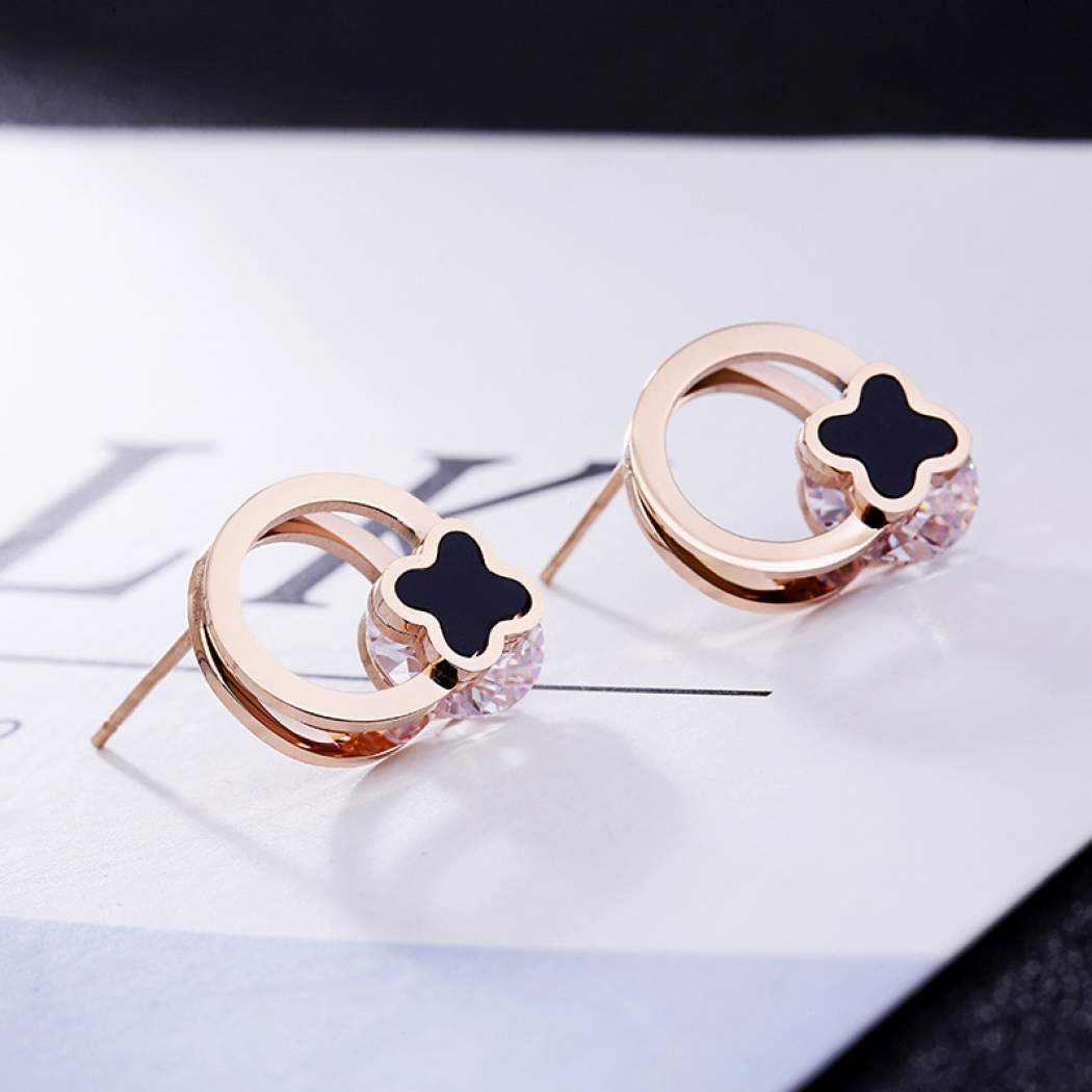 ซื้อที่ไหน Jewelry Accessories Fashion Jewelry Dangle Earrings For Current Dangling Four Leaf Clover Rings (View 25 of 25)