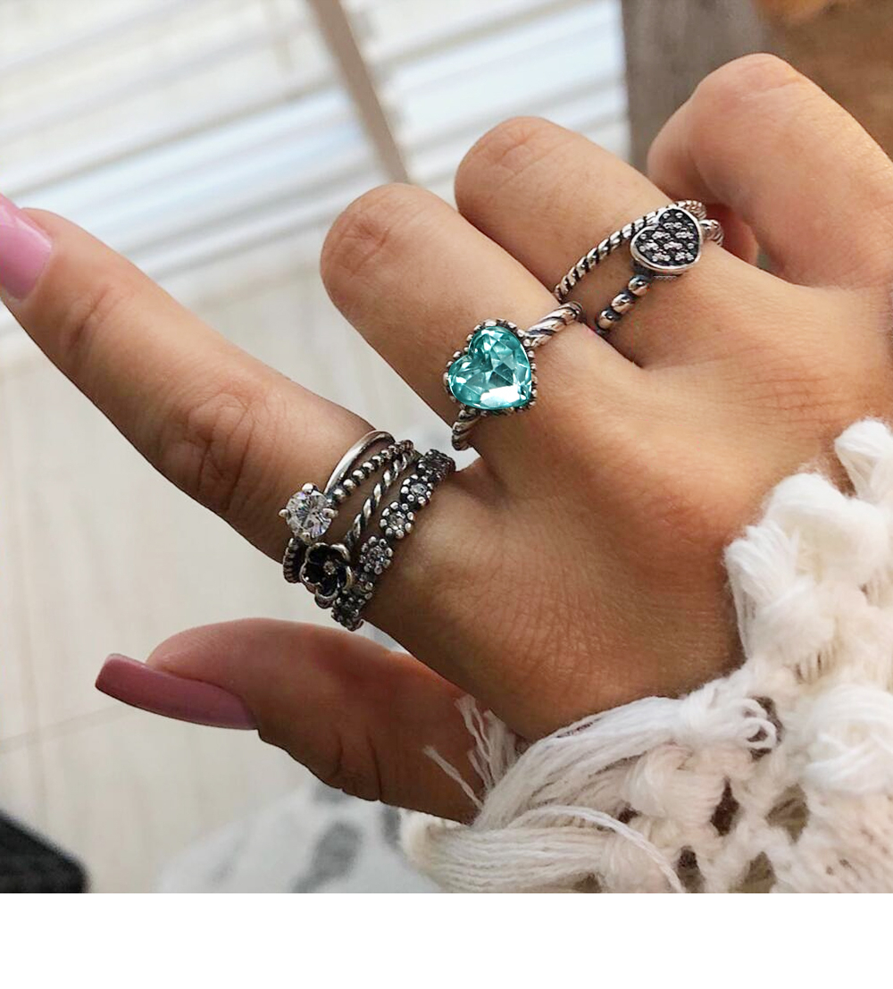 (0) Reviews 6 Pcs/set Vintage Heart Knuckle Crystal Finger Ring Set For  Leaf Flower Crown Inside Most Recently Released Flower Crown Rings (View 1 of 25)