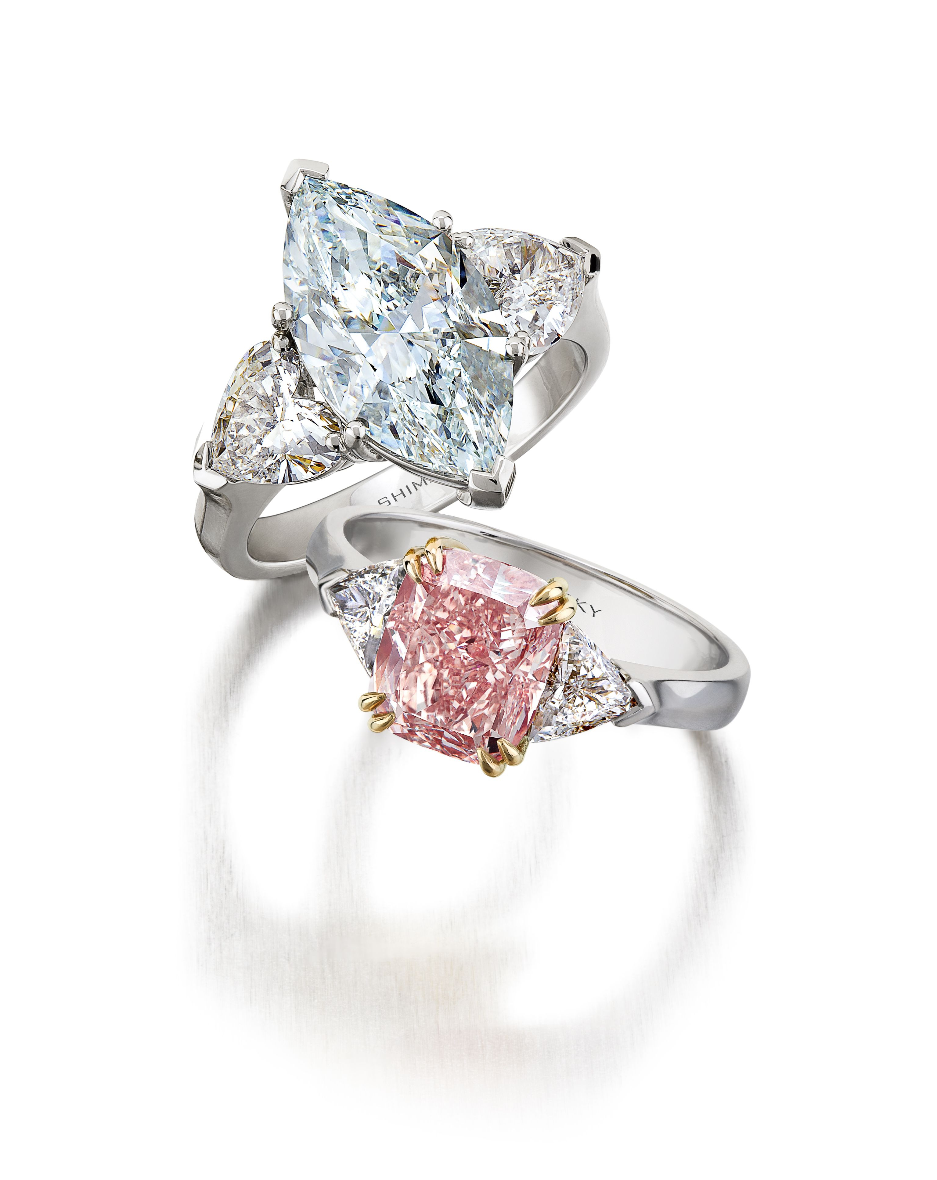 Featured Photo of Elegant Sparkle Rings