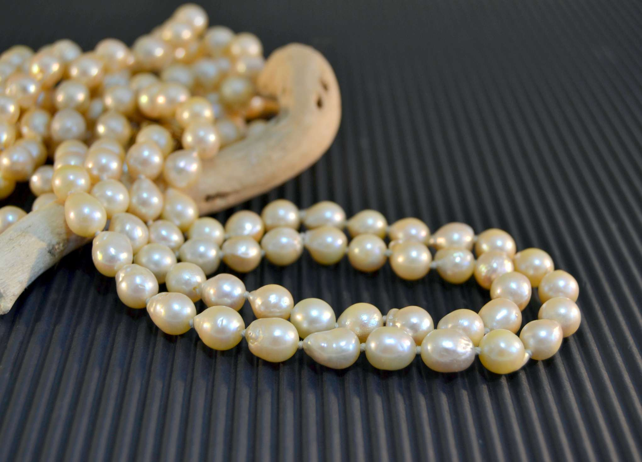 Identifying Pearls Used In Antique And Vintage Jewelry With Recent Freshwater Cultured Pearls & Beads Necklaces (View 17 of 25)