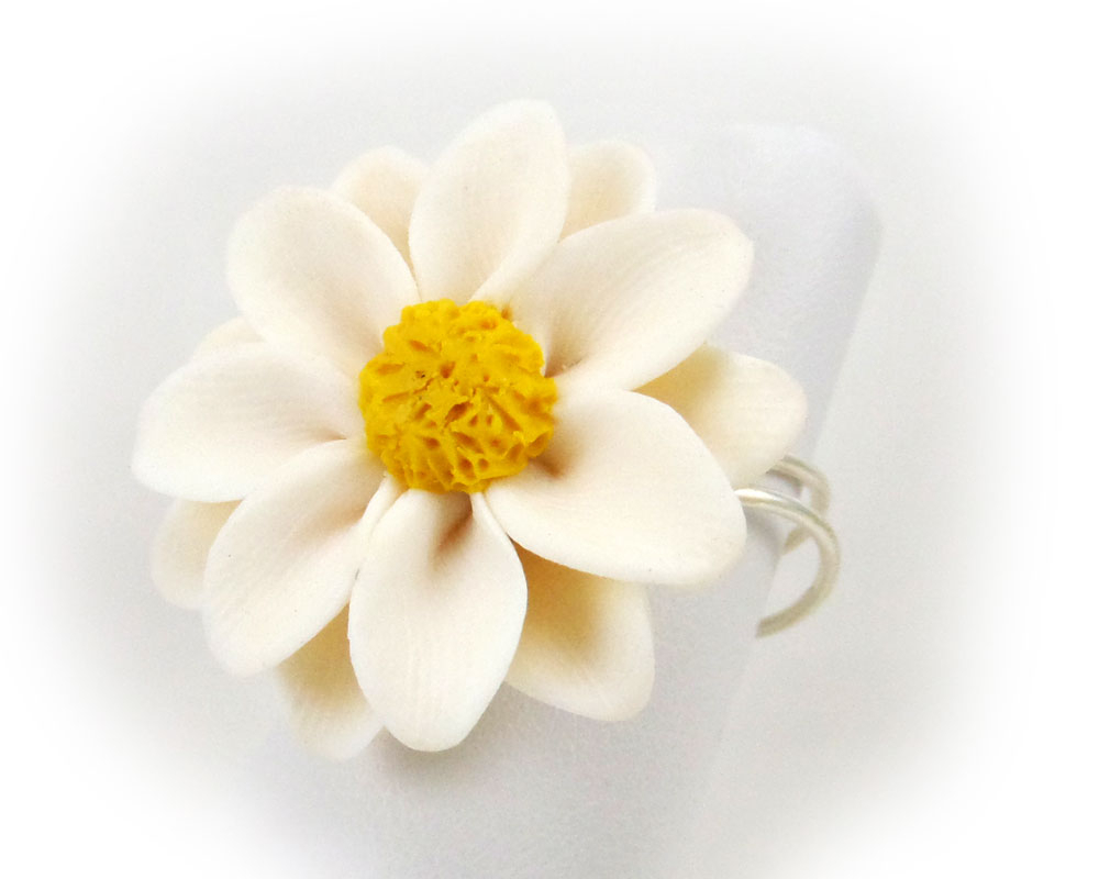 Large Daisy Adjustable Flower Ring Pertaining To Best And Newest Daisy Flower Rings (View 18 of 25)