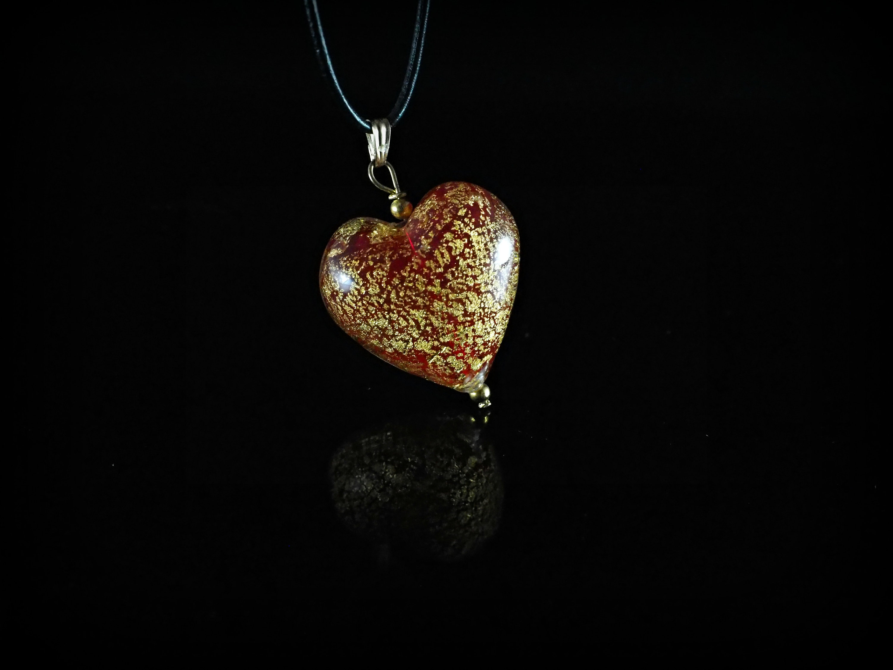 Leaf Pendant Necklace Red Heart Murano Glass Gold Plated Leather Valentine's Day Regarding Recent Pink Murano Glass Leaf Pendant Necklaces (View 4 of 25)