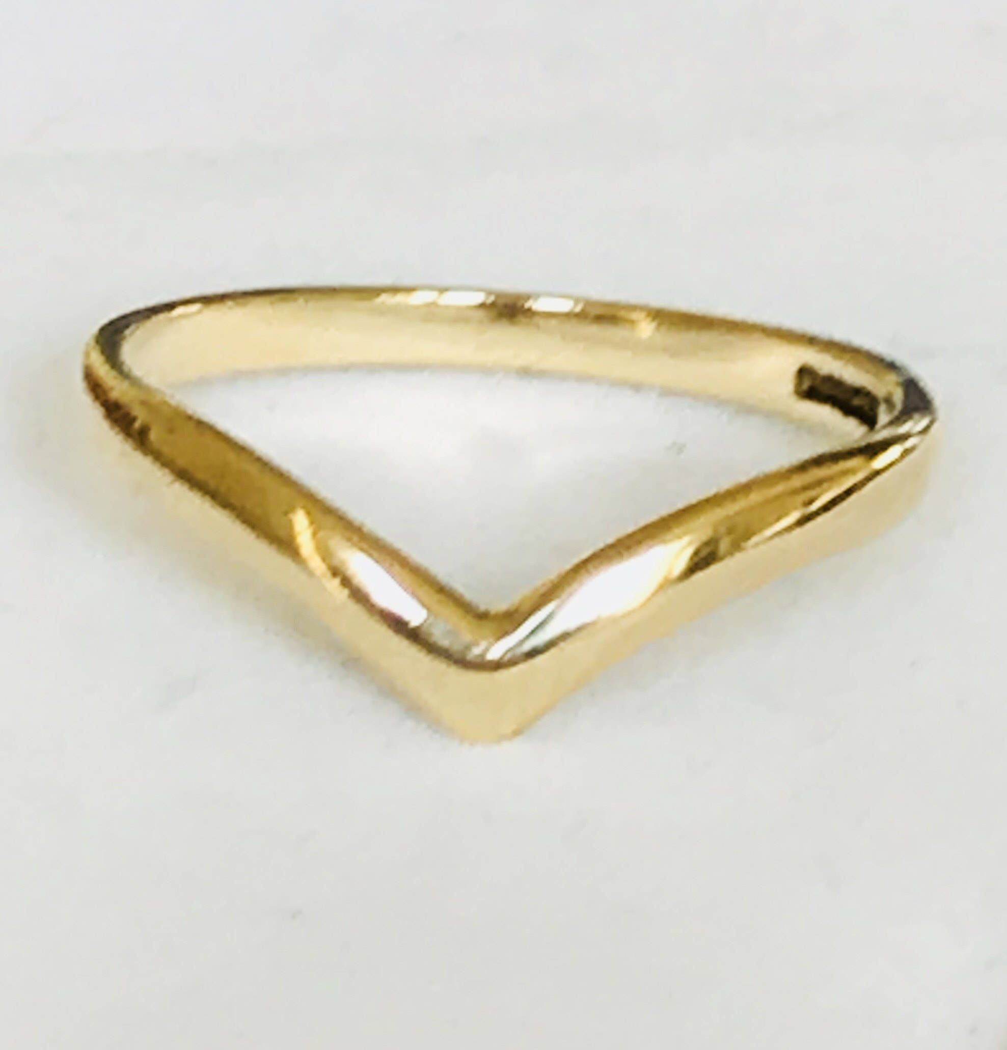 Lovely Vintage 9Ct Yellow Gold Wishbone Ring – Fully Hallmarked For 2017 Polished Wishbone Rings (View 16 of 25)