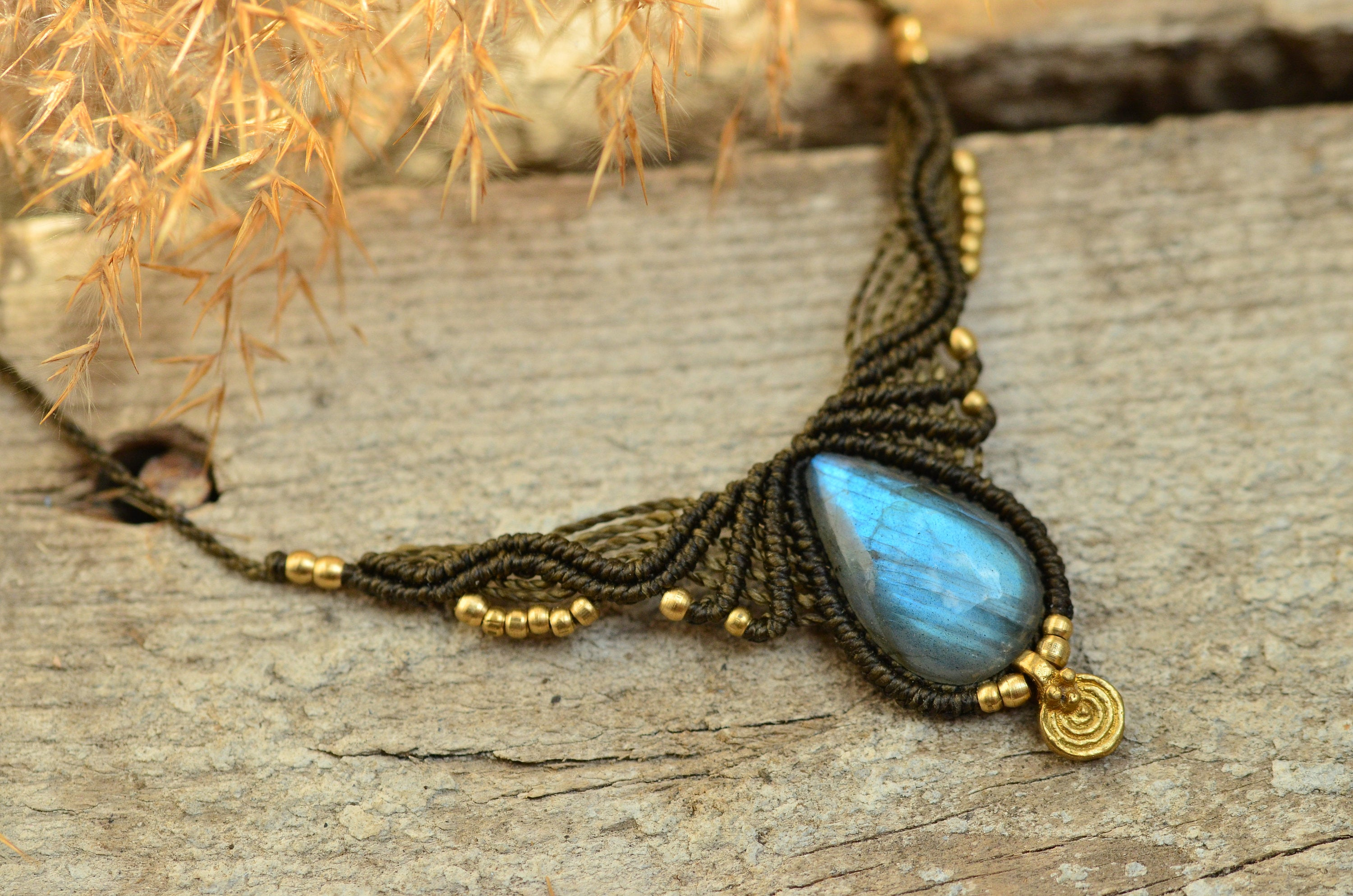"Macrame Necklace ""zala"" With Natural Labradorite, Brass And Brass Element ***unique Piece*** Within Best And Newest Shimmering Knot Locket Element Necklaces (Gallery 11 of 25)"