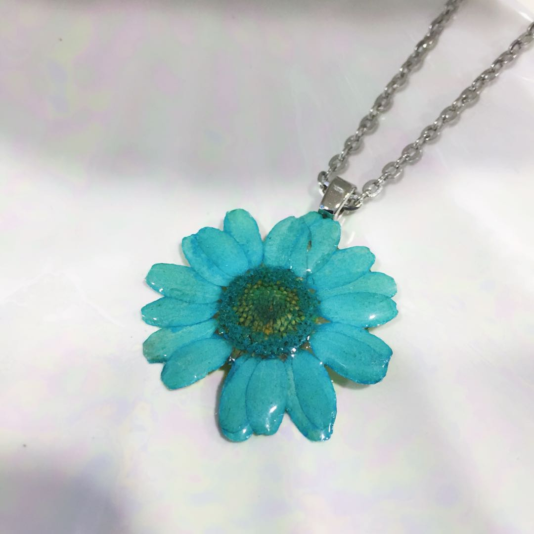 Mini Daisy Necklace With Most Recent Sparkling Daisy Flower Locket Element Necklaces (Gallery 9 of 25)