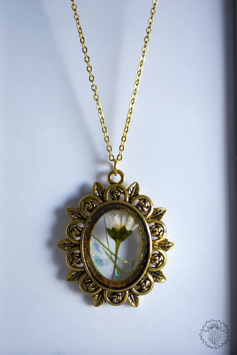Necklace In Old Gold Color Frame, Pendant With Dried Daisy Flower And Glitter In Resin, Old Style Flower Pendant, Mori Daisy Jewelry Within Current Sparkling Daisy Flower Locket Element Necklaces (View 1 of 25)