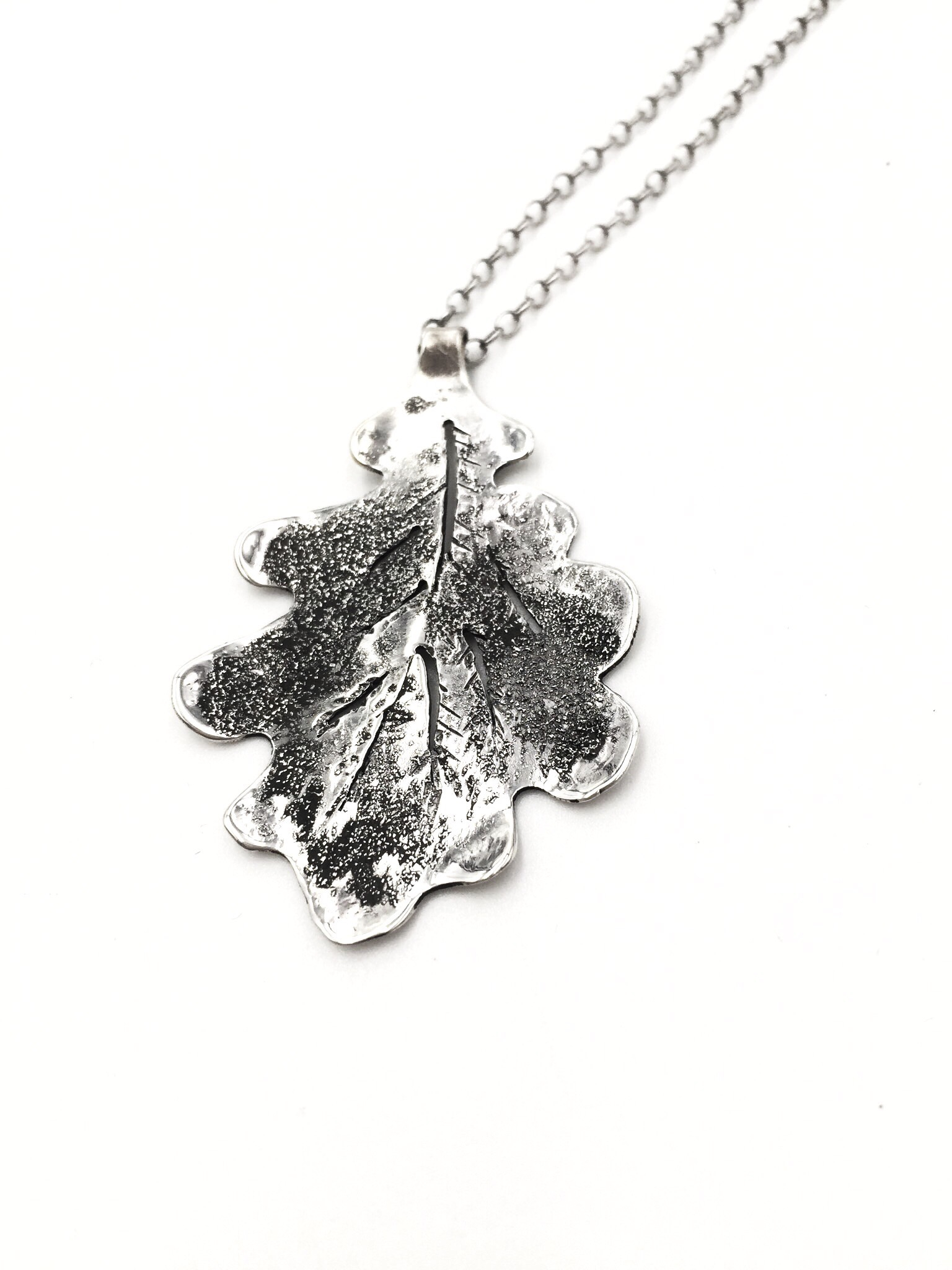 Oak Necklace With Regard To Best And Newest Shining Leaf Pendant Necklaces (Gallery 22 of 25)