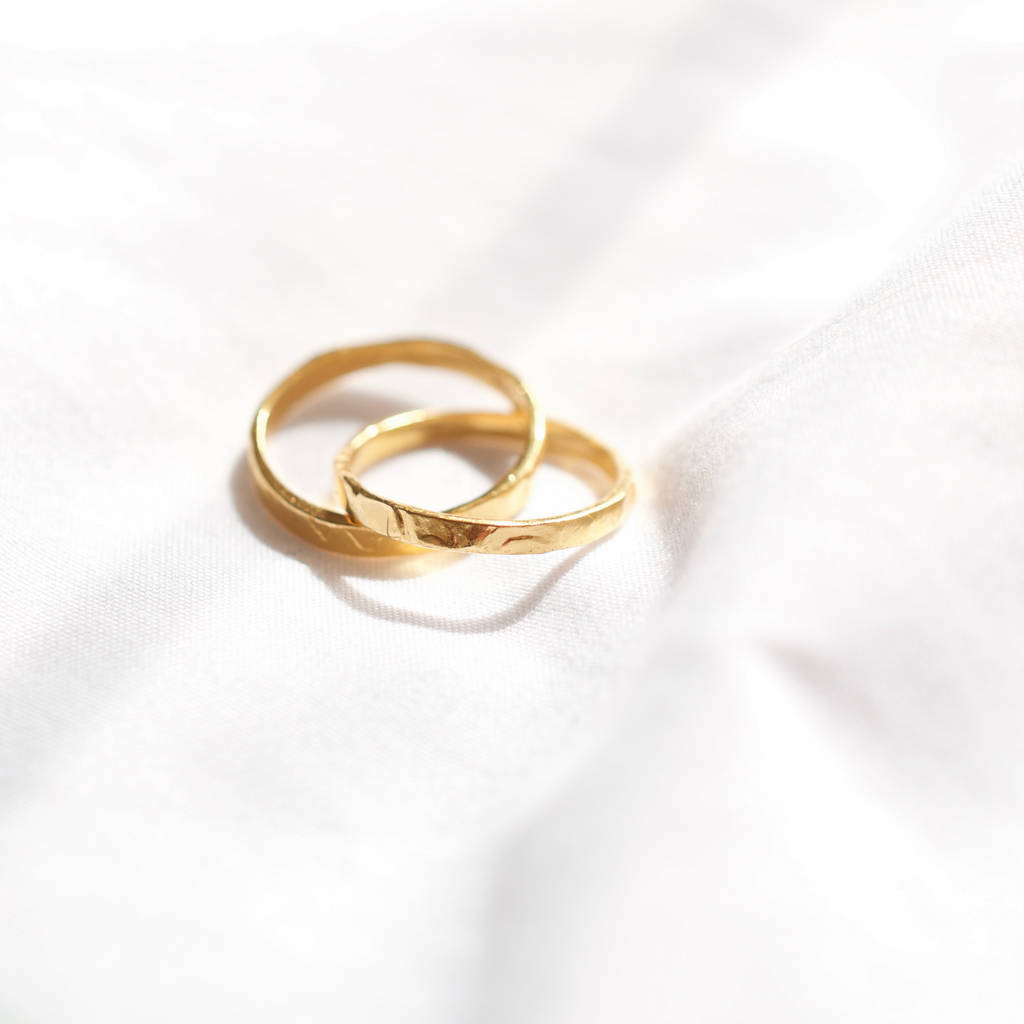 Featured Photo of Simple Infinity Band Rings