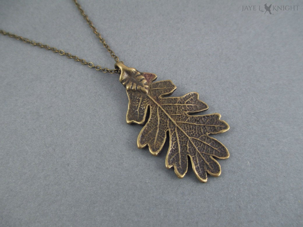 Ranger's Apprentice Bronze Oak Leaf Pendant, Leaf Necklace, Gifts For  Readers, Bronze Oak Leaf Necklace, Halloween Costume Jewelry Pertaining To Current Oak Leaf Necklaces (Gallery 4 of 25)