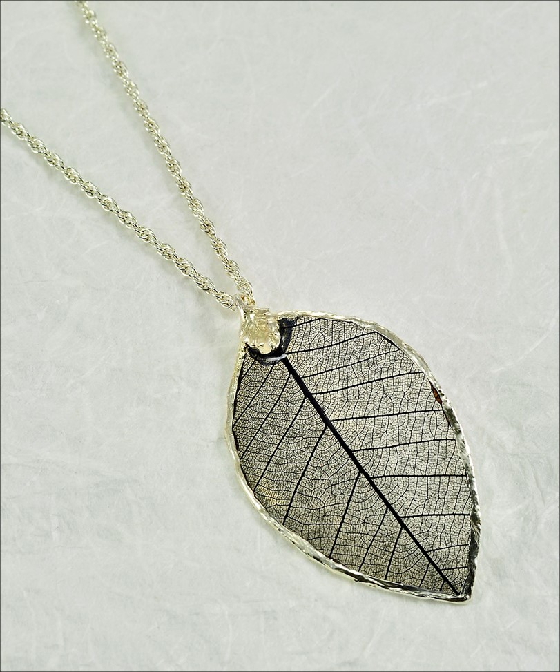 Rubber Leaf L Leaf Necklace L Real Leaf Necklace For 2020 Shining Leaf Pendant Necklaces (Gallery 7 of 25)