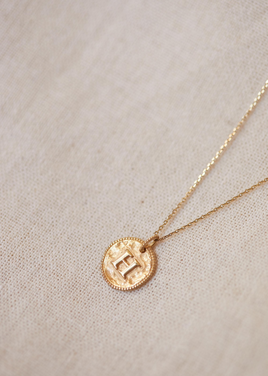 Sézane – Sara Pendant – Letters A To H With Newest Letter Z Alphabet Locket Element Necklaces (View 16 of 25)