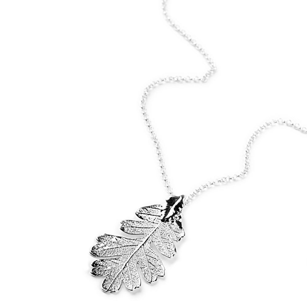 Silver Oak Leaf Pendant Pertaining To Latest Oak Leaf Necklaces (View 2 of 25)