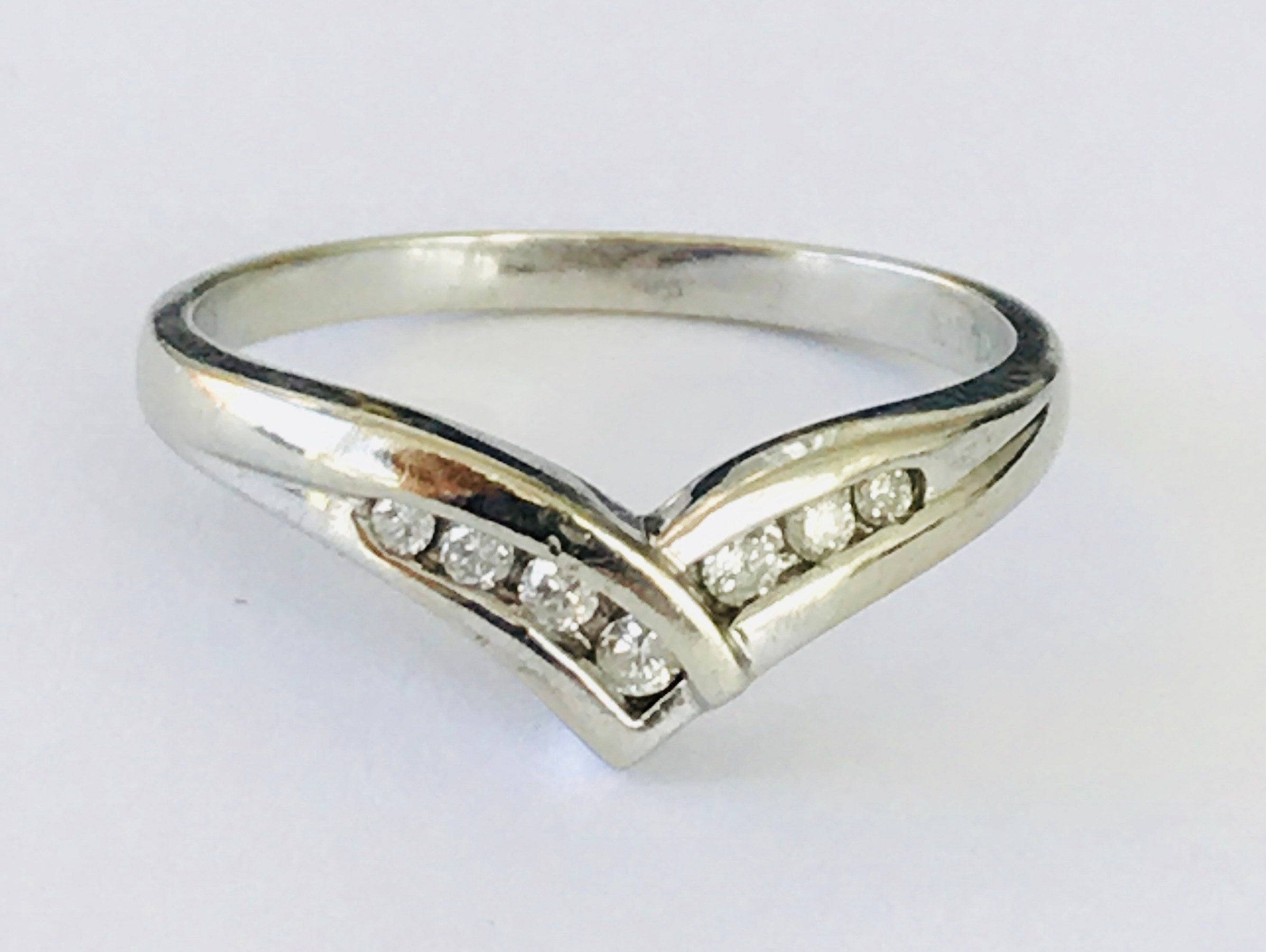Super Sparkling Vintage 9Ct White Gold Diamond Wishbone Ring – Fully In Current Polished Wishbone Rings (View 22 of 25)