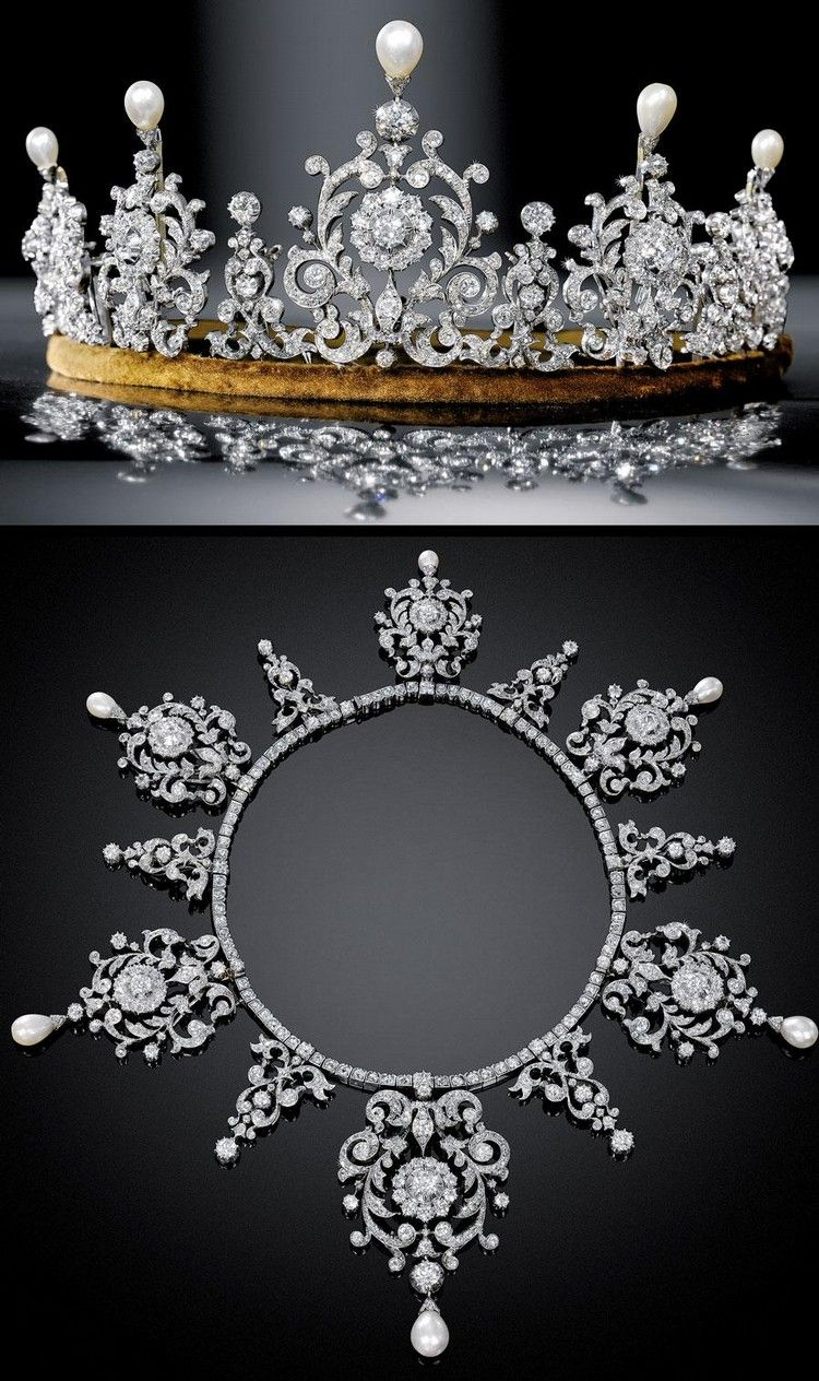 Tiara / Necklace Diamond And Pearls In Two Fitted Cases With Regard To 2020 Tiara Crown Collier Necklaces (View 2 of 25)