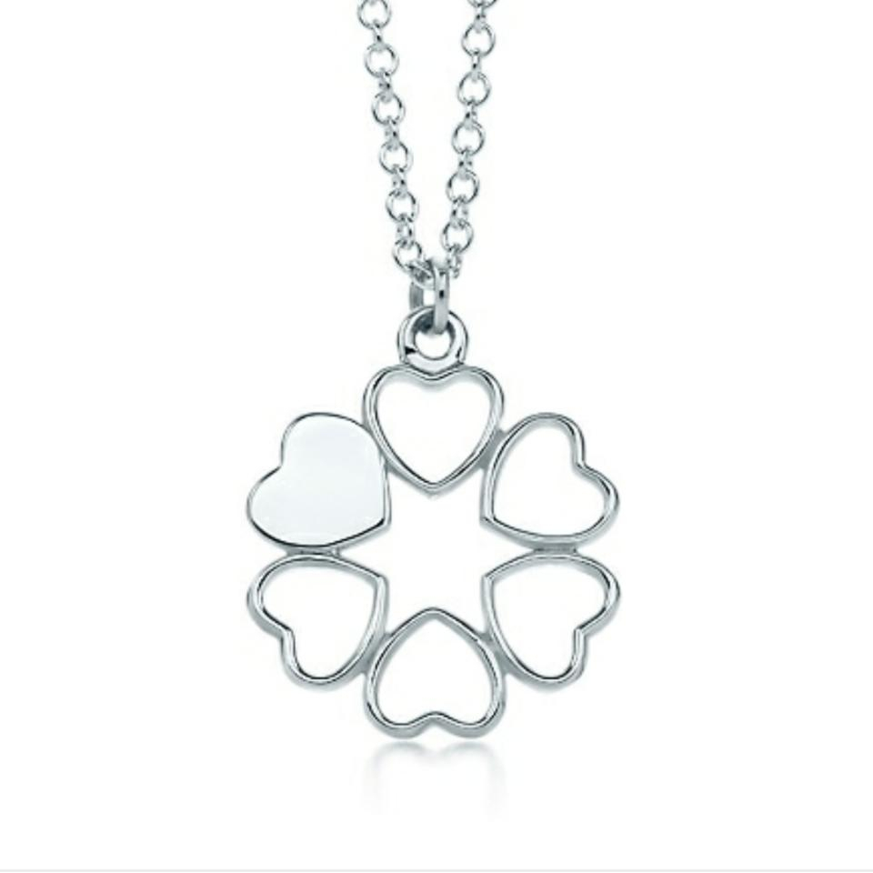 Tiffany & Co. Paloma Picasso Crown Of Hearts Necklace 60% Off Retail Pertaining To Most Recently Released Crown & Interwined Hearts Pendant Necklaces (Gallery 8 of 25)