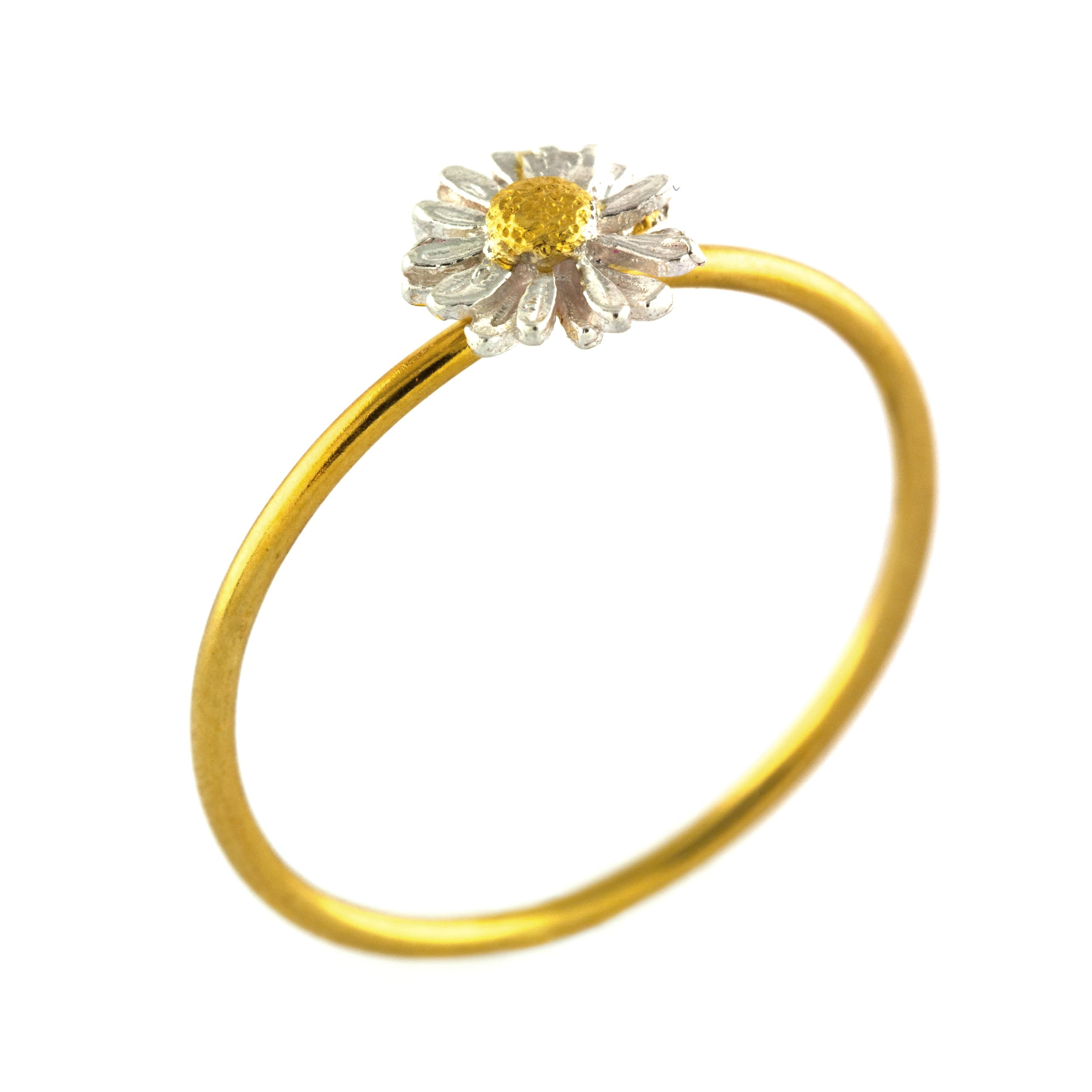 Tiny Daisy Ring Throughout Best And Newest Classic Daisy Flower Band Rings (View 22 of 25)