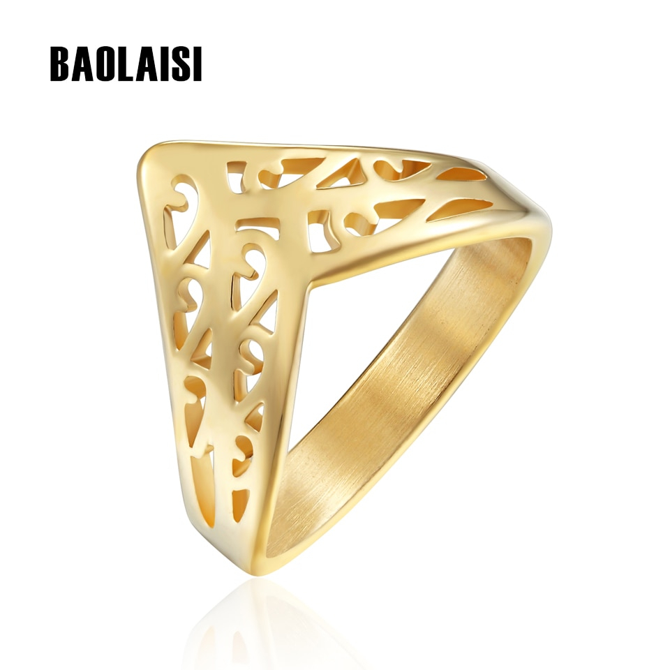 Featured Photo of Geometric Crown Rings