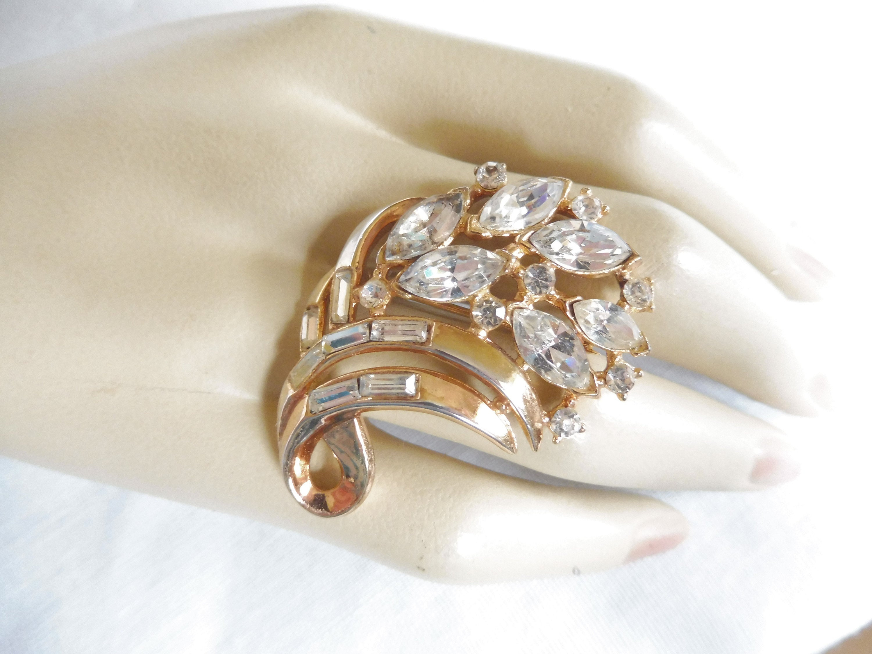 Vintage Crown Trifari Sparkling Clear Marquise Rhinestone Spray Brooch Pin Intended For Best And Newest Clear Sparkling Crown Rings (Gallery 16 of 25)