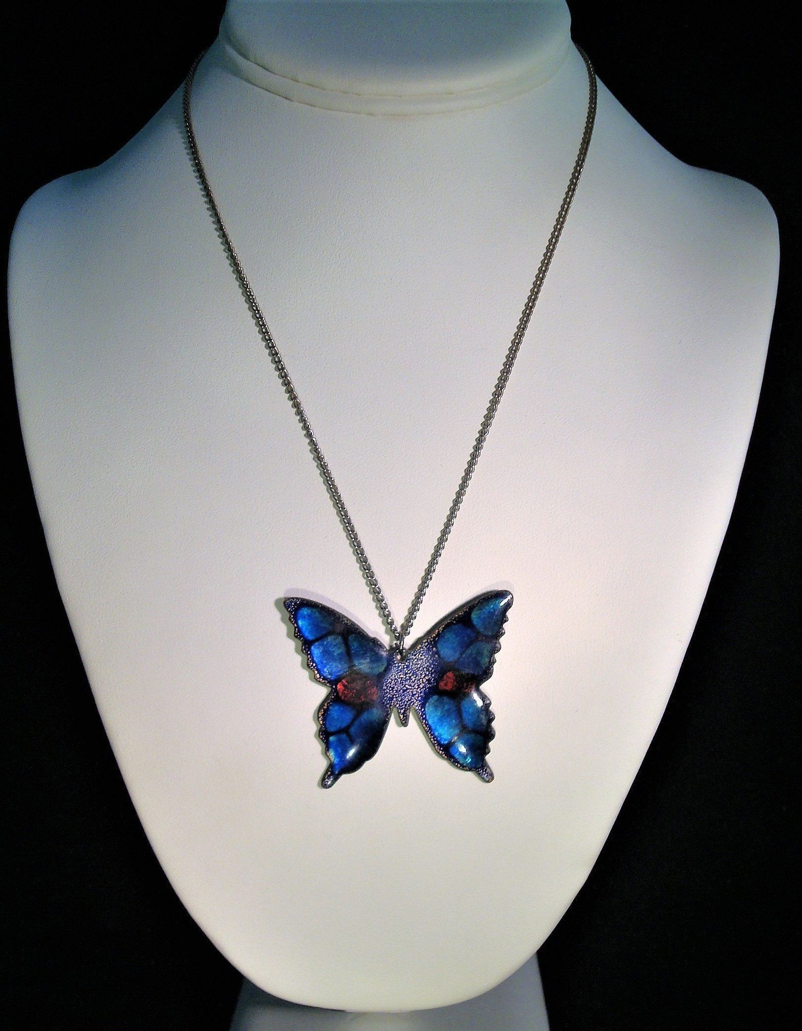 Vintage Enamel Butterfly Necklace – Beautiful Blue, Purple Red Throughout Recent Blue Pavé Butterfly Brooch Necklaces (View 8 of 25)