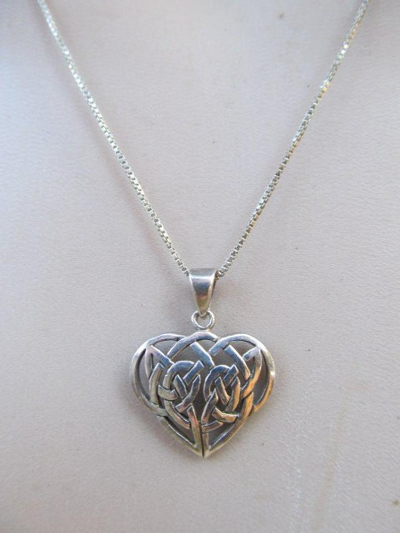 Vintage Sterling Silver Knotted Heart Pendant Necklace With Regard To 2019 Knotted Heart Pendant Necklaces (View 25 of 25)