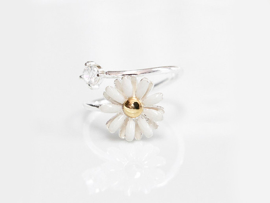 White Daisy Flower Ring Throughout Most Recent Daisy Flower Rings (View 5 of 25)
