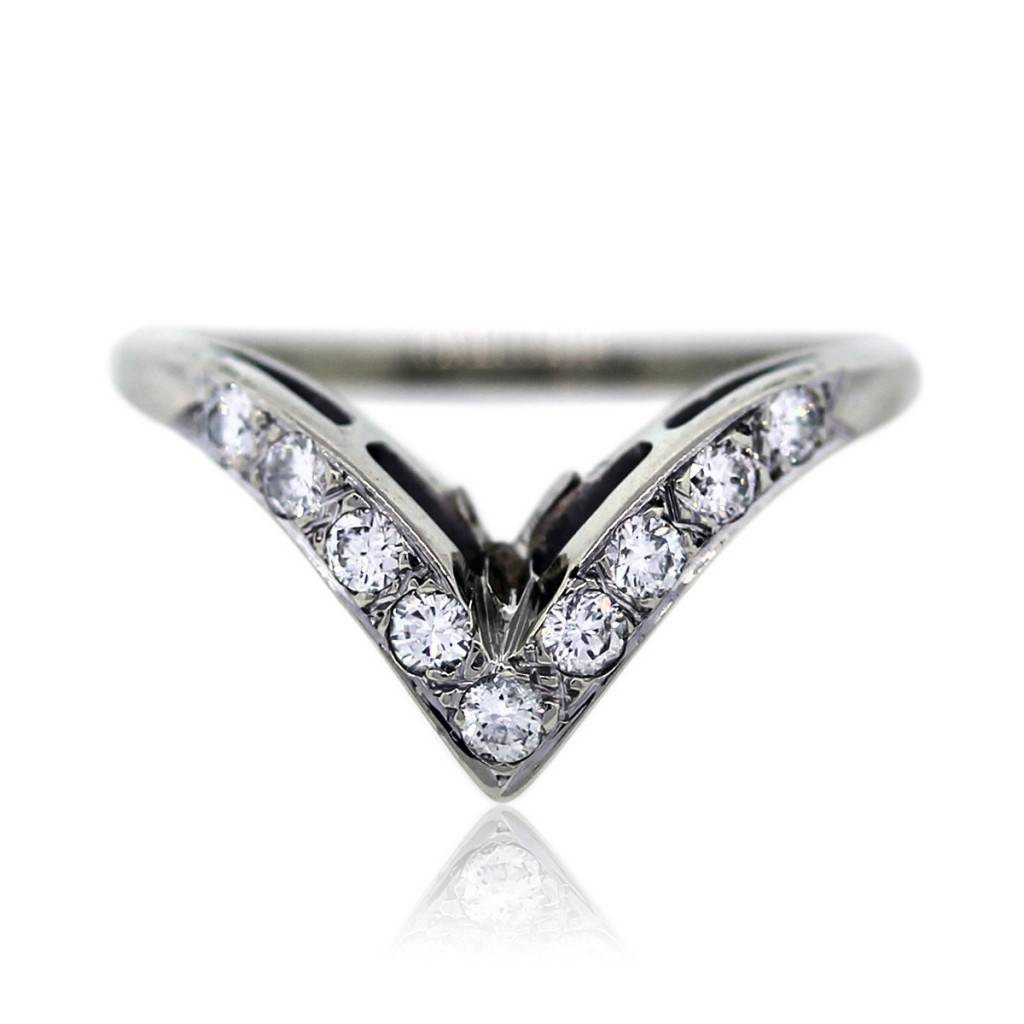 14k White Gold And Diamond V Shaped Wedding Band Ring Intended For Latest V Shape Diamond Wedding Bands (View 10 of 25)