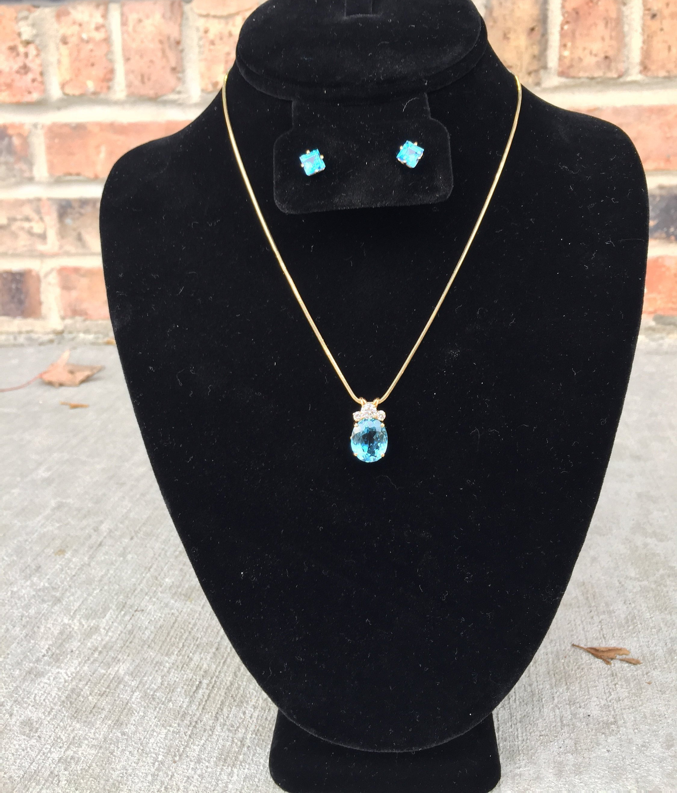 Aquamarine And 14k Gold With Diamonds Necklace Pendant And Earrings Set Pertaining To Most Up To Date Reversible Diamond, Sapphire And Aquamarine Pendant Necklaces (View 9 of 25)