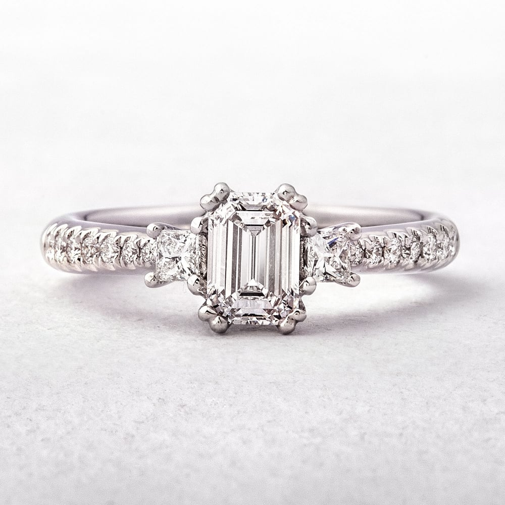 Diamonds 1.02Ct F / Vs1 Gia Certified Emerald Cut With Princess Shoulders,  18Ct Gold Ring Inside Emerald Cut Engagement Rings With Tapered Baguette Side Stones (Gallery 24 of 25)