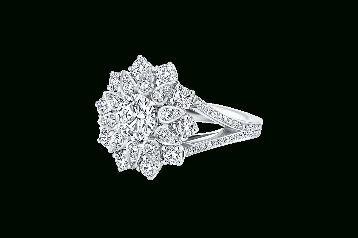 Lotus Cluster Diamond Ring, Large | Harry Winston Throughout Winston Blossom Diamond Engagement Rings (View 7 of 25)