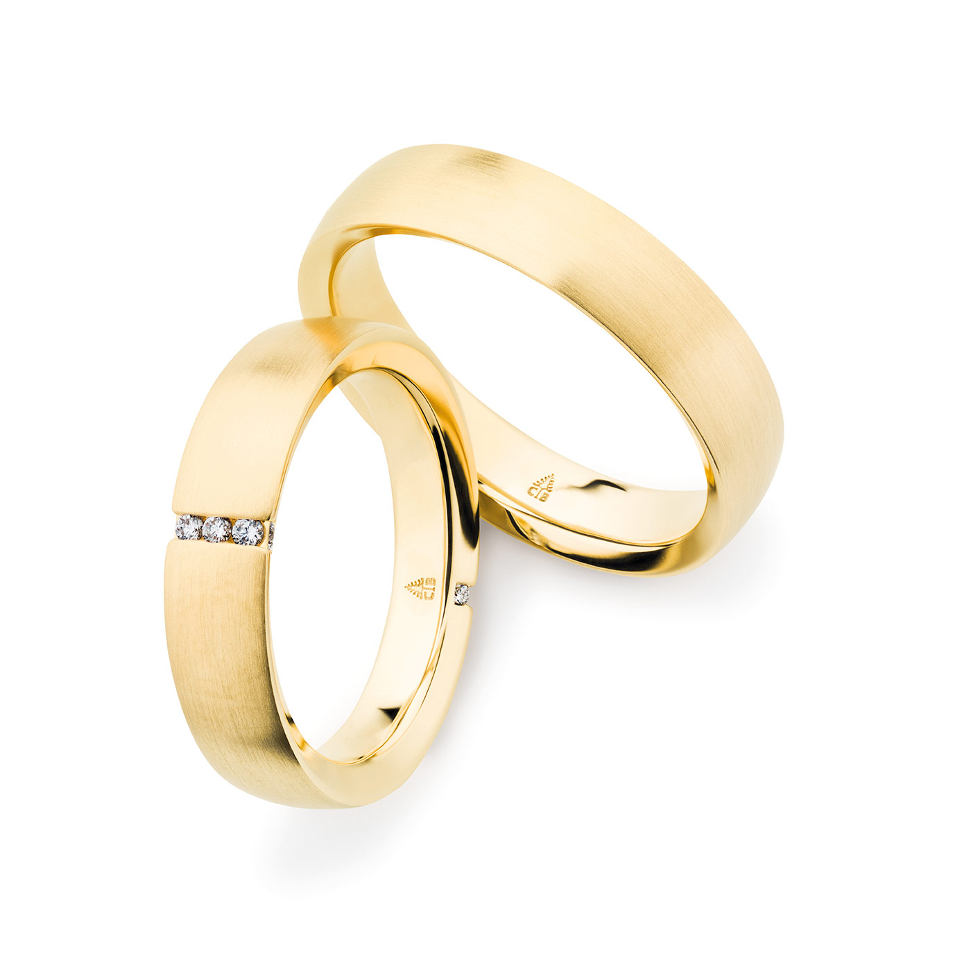 The 585 Yellow Gold Band Is Split On Either Sidea Within Best And Newest Vertical Diamond Row Wedding Bands (View 16 of 25)