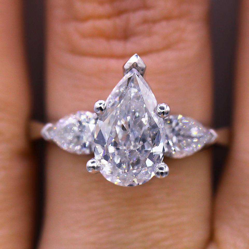 Unique Pear Shaped Diamond Engagement Ring 54% Off Retail Pertaining To Pear Shaped Engagement Rings (View 14 of 25)