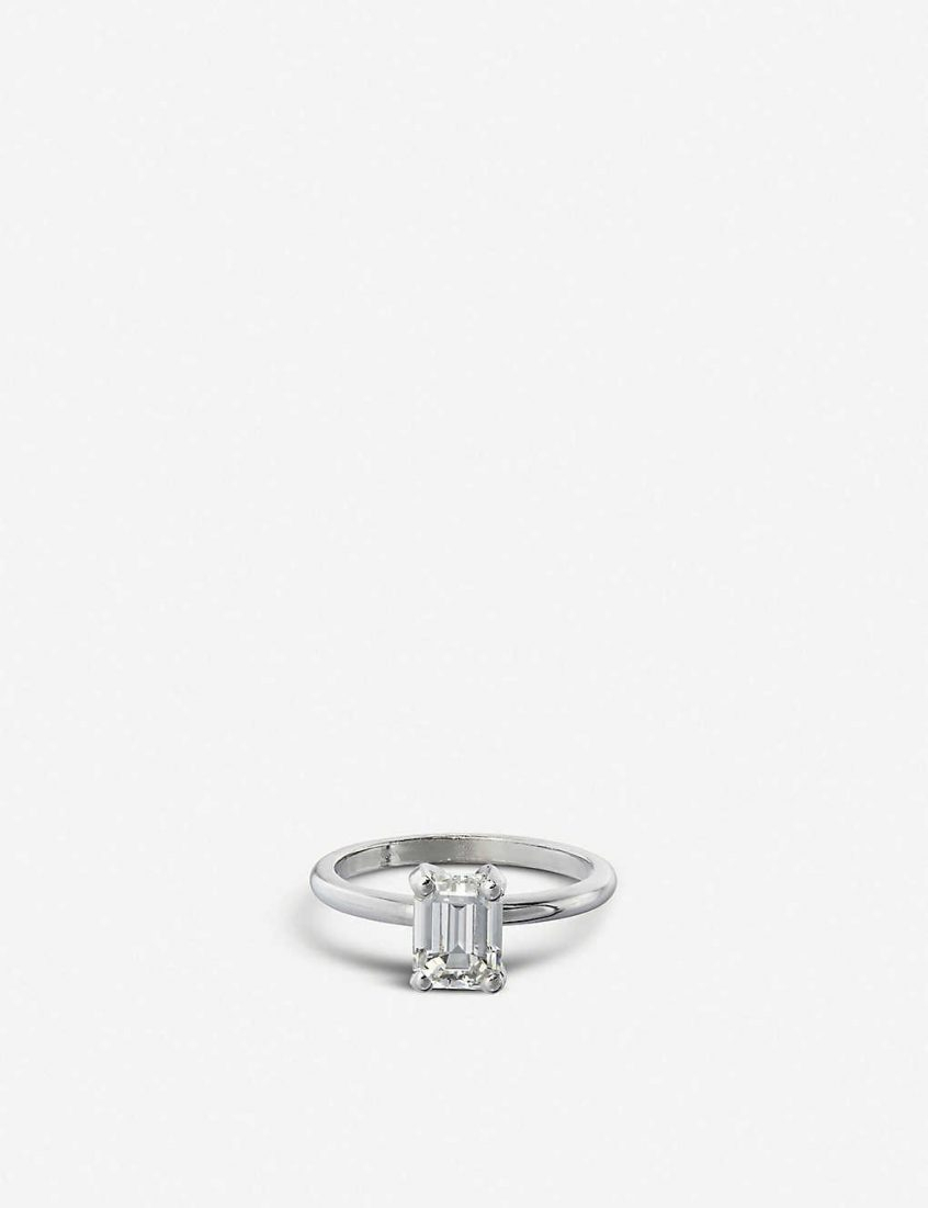 Wedding Ring: Vashi 18k White Gold And Emerald Shaped Intended For Heart Shaped Engagement Rings With Tapered Baguette Side Stones (View 22 of 25)