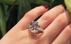Round Brilliant Diamond Engagement Rings