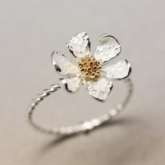 Classic Daisy Flower Band Rings
