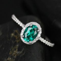 Oval Emerald Engagement Rings